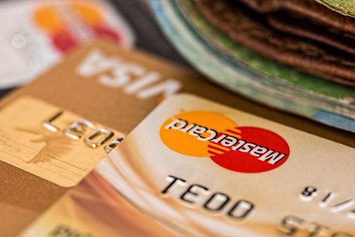Как пользоваться кредитной картой, тарифы